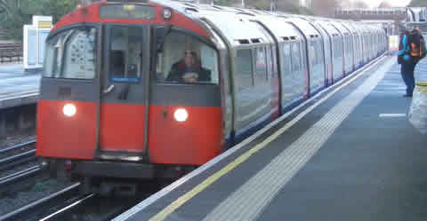 The London Underground - The Cheapest Way Between Heathrow & London