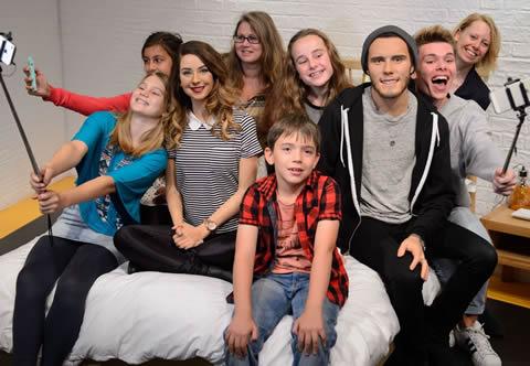 Madame Tussauds - selfie fun with kids