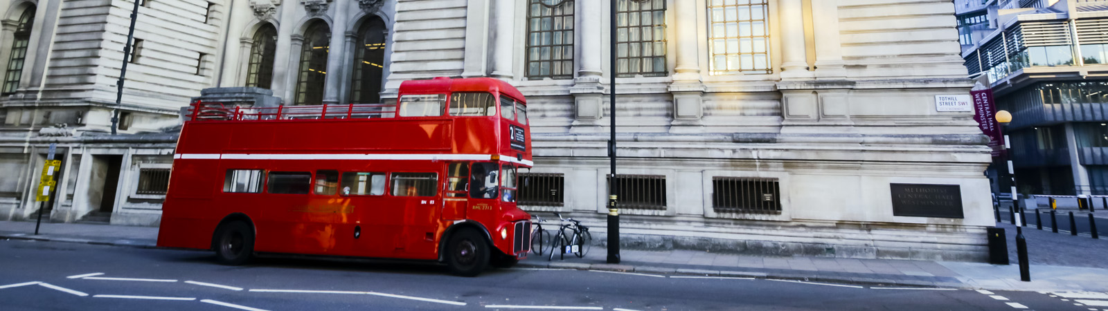 Vintage London Red Bus Tour