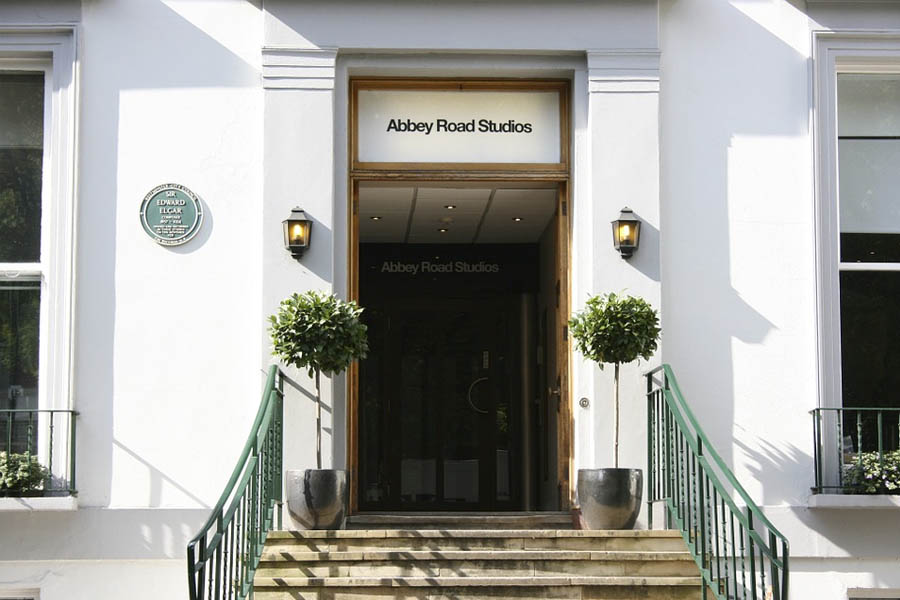 For music fans, London Abbey Road Studios tour is the best option.