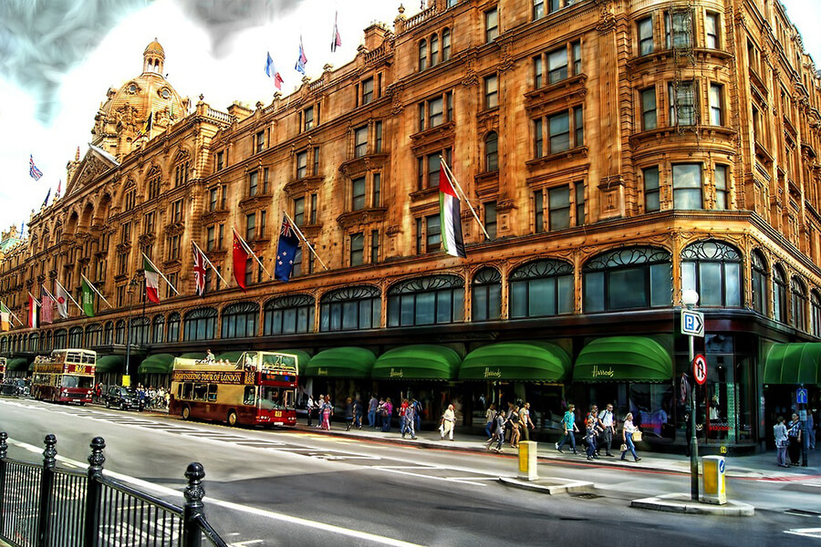 Harrods in Knightsbridge is an excellent location for the best London shopping tours