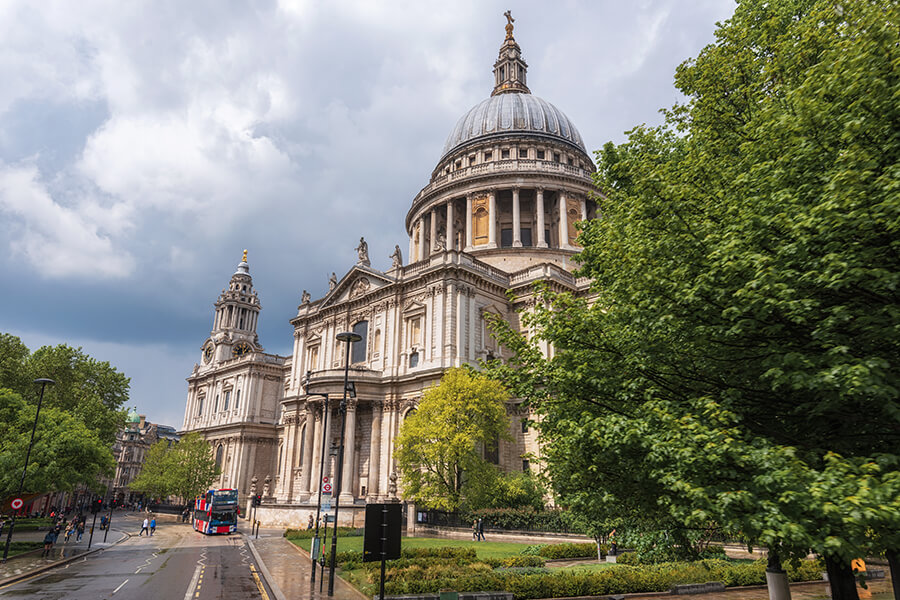 St Paul's Cathedral is one of the most visited locations in best London tours.