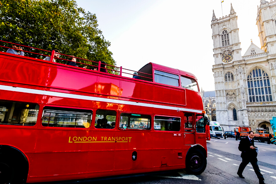 London vintage red bus tour is a nostalgic option giving you a tour of the iconic London locations
