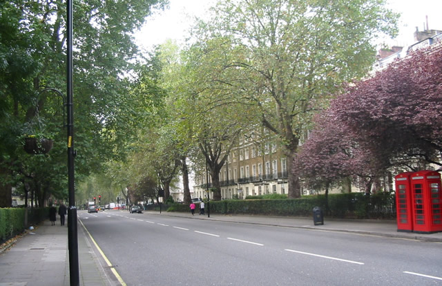 Sussex Gardens Paddington London - The Main Hotel Strip In Paddington