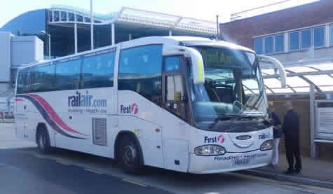 Heathrow to Reading RailAir Link Bus